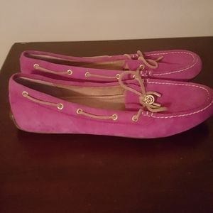 So someone can enjoy this nice pair of Sperrys.